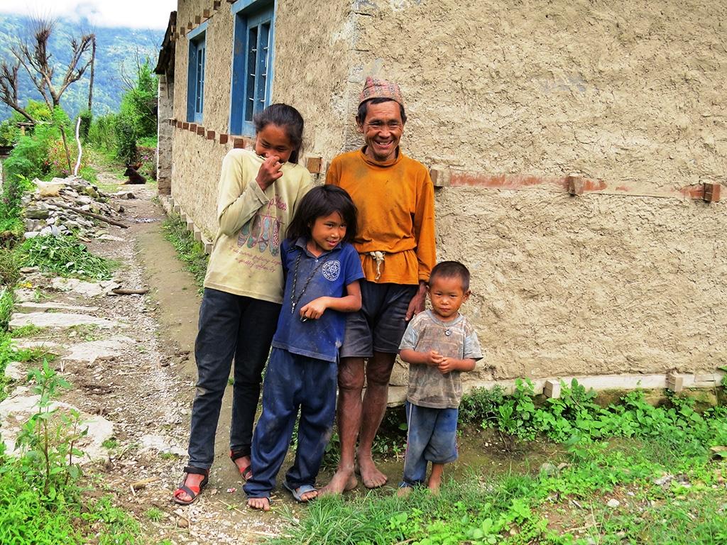 La famille de Jange MAGAR.